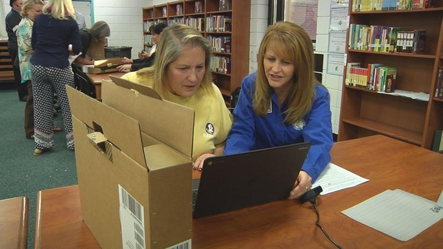 Surfside and Jinks Middle School teachers receive laptops