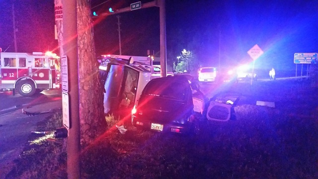 One dead, one seriously injured in Sunday night wreck